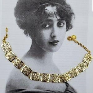 Vintage gold tone filigree necklace